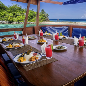 What better than a lobster dinner in your villa?