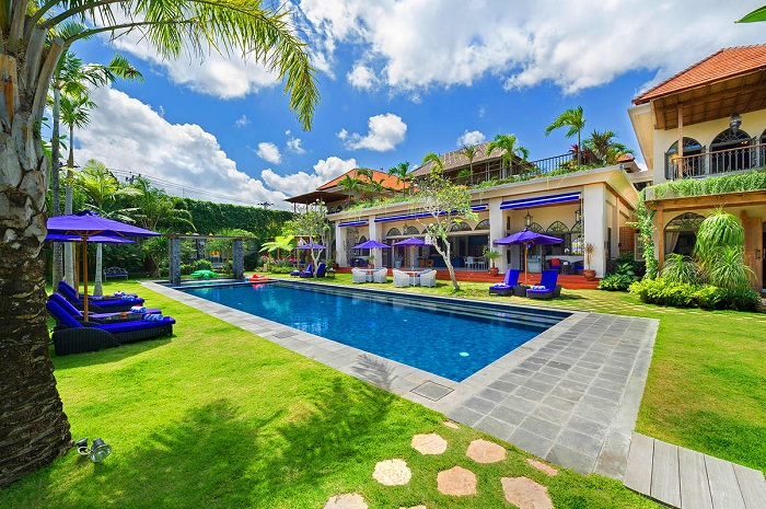 Fall in love with the romantic Villa Sayang d'Amour...