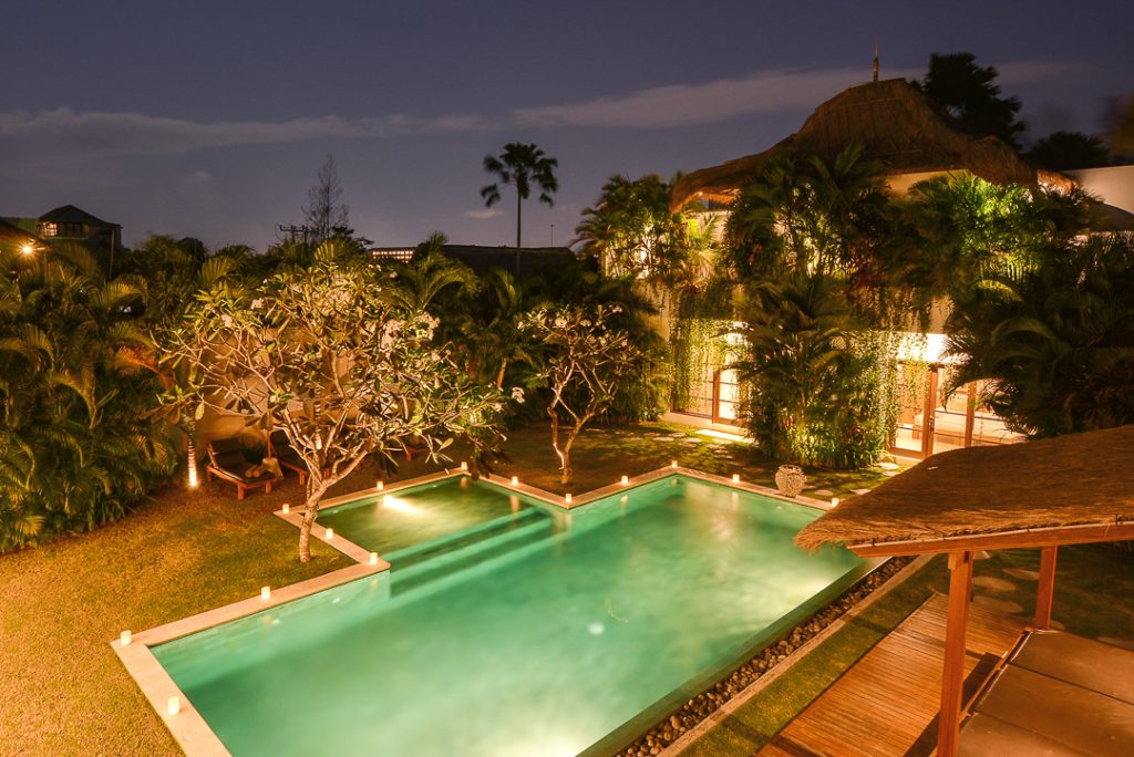 Villa-chocolat-seminyak-bali-six-bedroom-villa-evening-atmoshpere