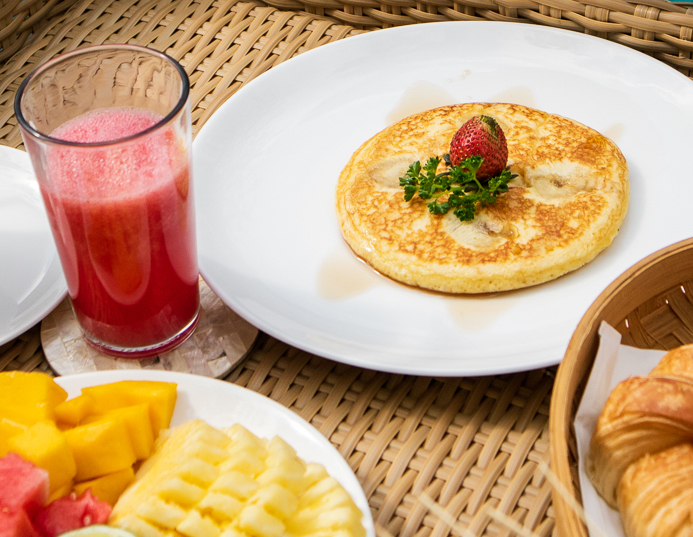 Nyaman-Villas-continental-breakfast