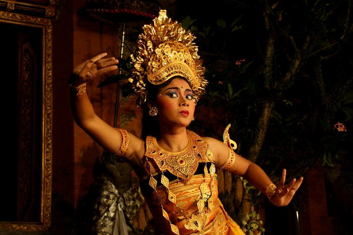 Nyaman Group Indonesia-Exclusive member privilege-Balinese dance lesson